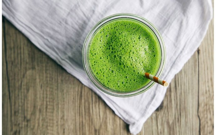 Flatten Your Belly with the 17-Day Green Tea Diet! | Eat This Not That