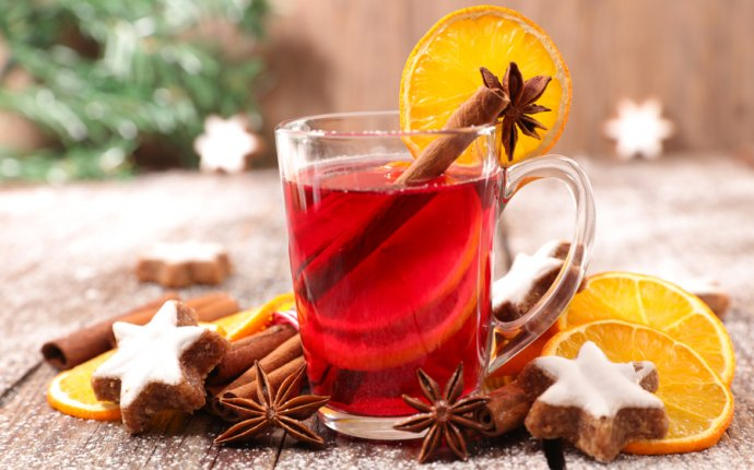 Fruity Spiced Tea | Hot Holiday Drink | Vintage Cooking