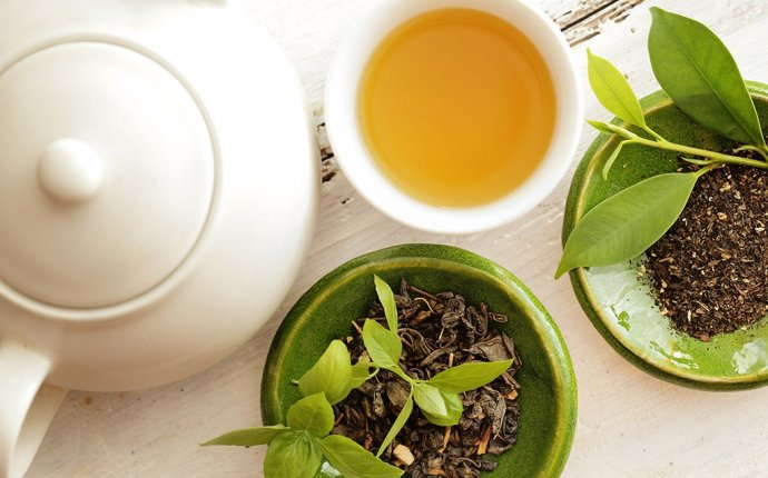 How to Get Abs Drinking Green Tea | Eat This Not That